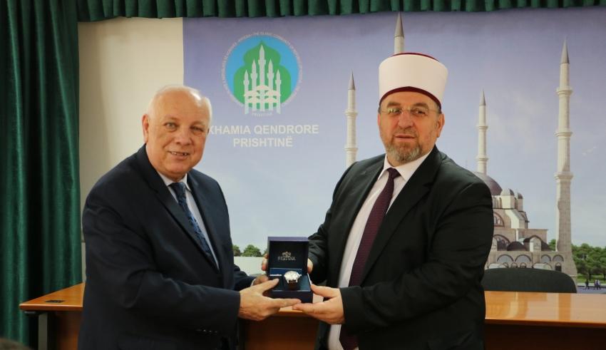 Myftiu Tërnava ndanë mirënjohje për ish sekretarin e Kryesisë Resul ef. Rexhepi